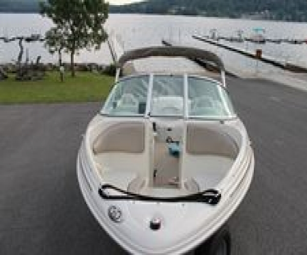 Used Sea Ray Boats For Sale in Hagerstown, Maryland by owner | 2002 Sea Ray 176